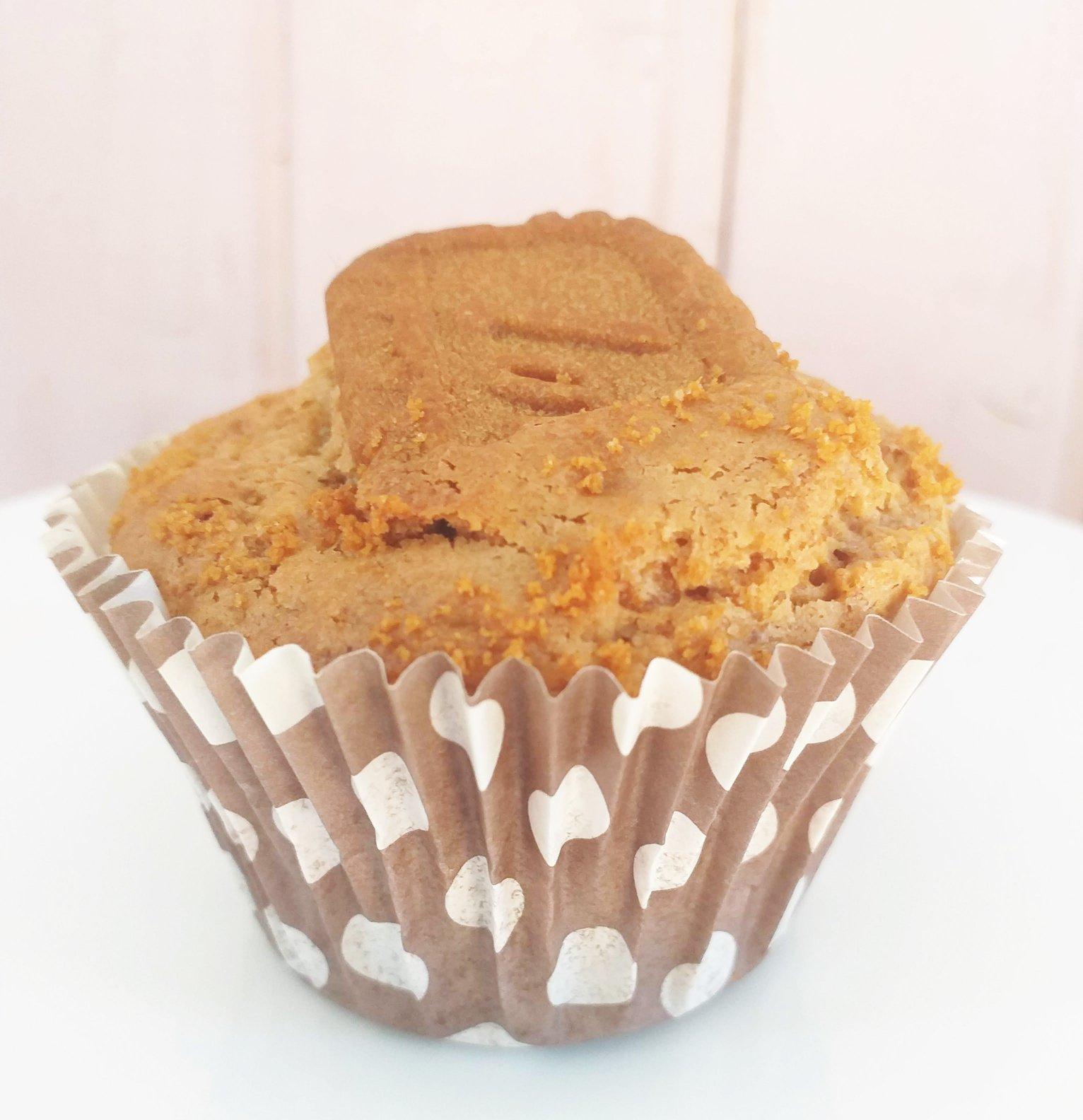 Muffins de canela con galletas lotus